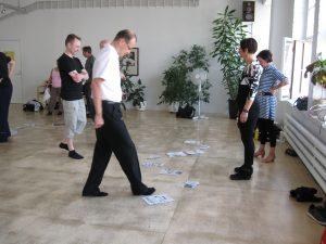 Koulutustilanne jossa harjoitellaan opittua käytännössä