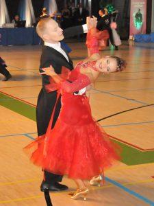 Jouni Uosukainen ja Liisa Rantatulkkila tanssilattialla
