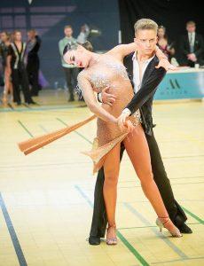 Dmitri Borovski ja Alisa Alexandrova tanssilattialla