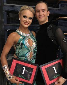 Gleb Bannikov ja Ada Varstala hymyilevät palkinnot käsissään