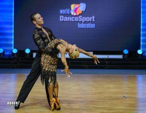 Armen Tsaturyan ja Svetlana Gudyno tanssilattialla