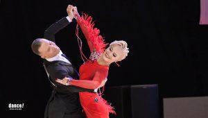 Gleb Bannikov ja Ada Varstala taivutuksessa tanssilattialla