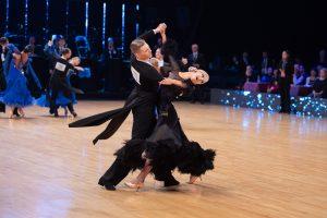 Jaakko Saaristo ja Anne Haataja tanssilattialla