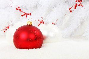 Joulukuusenkoristepalloja