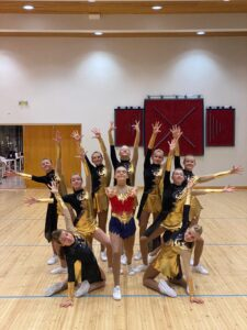 Rock Girls koreografiallaan Wonder Woman
